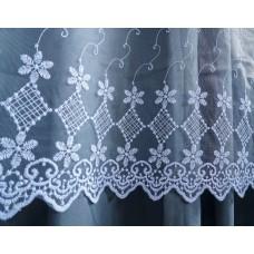 Luxusní  bílá záclona s  výšivkou - 2336, výška 120cm, metráž