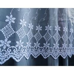 Luxusní  bílá záclona s  výšivkou - 2336, výška 250cm, metráž